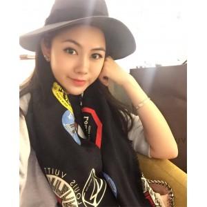 Louis Vuitton lv官网中文版女士丝巾丝印徽章140厘米披肩围巾方巾