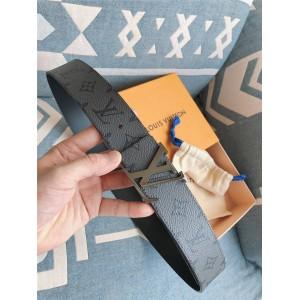 路易威登lv法国官网新款男士皮带INITIALES 双面腰带40毫米M0285T