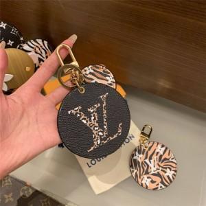 路易威登lv包包图片新款JUNGLE 包饰与钥匙扣M68469