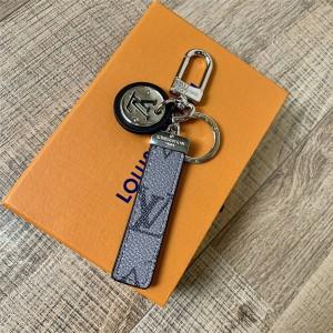 路易威登lv包包价格新款NEO LV CLUB 包饰与钥匙扣M69475