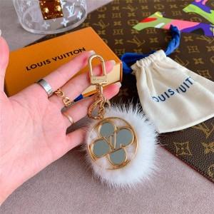 路易威登lv包价格新款FLOWER FINESSE FUR 包饰与钥匙扣M69001