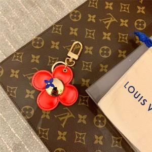 路易威登LV官网原单挂饰花朵VIVIENNE 包饰与钥匙扣M67299
