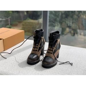 路易威登lv美国官网新款老花拼皮STAR TRAIL 及踝靴高跟女短靴