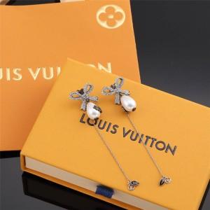 路易威登lv中国官方网新款蝴蝶结镶水钻珍珠对称长耳环