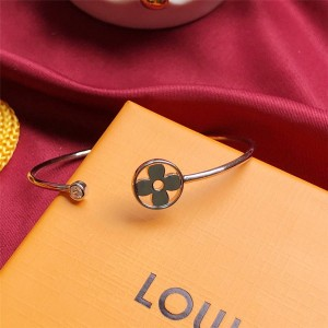 路易威登官网LV奢侈品团购新款IDYLLE BLOSSOM TWIST 白金手镯Q95535
