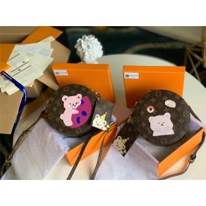 路易威登lv香港官网新款女包老花小熊贴花圆饼包M52297/M52298