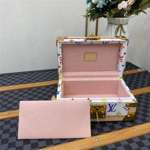 路易威登广州lv批发黑白三彩COFFRET TRÉSOR 24 ROSE BALLERINE 珠宝盒木箱