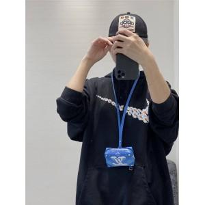 LV官网奢侈品折扣网蓝天白云SOFT TRUNK 挂式钱夹盒子包M45440