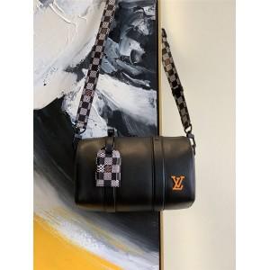 路易威登官网LV世界奢侈品新款真皮拼格子枕头包57417