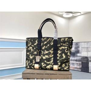 路易威登LV香港官网陈冠希同款迷彩帆布手提包购物袋M95783